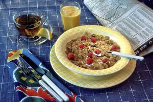 640px-NCI_Visuals_Food_Meal_Breakfast