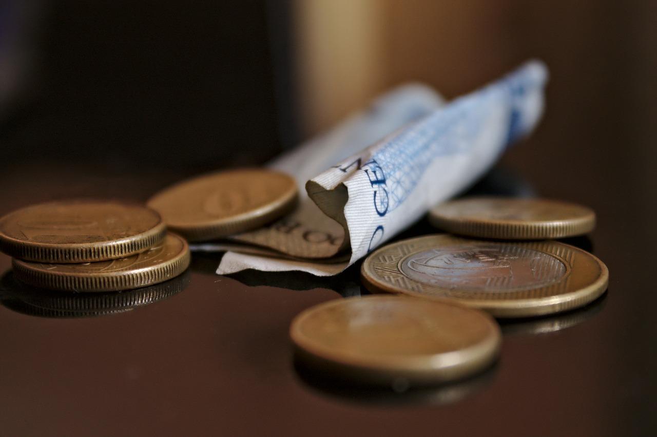 5 Ways Parents Can Help Children to Save Money