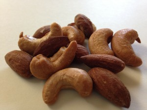 nuts-237055_1920