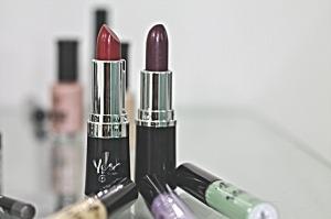 lipstick-388385_1280