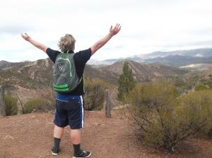 hiker-524611_1280